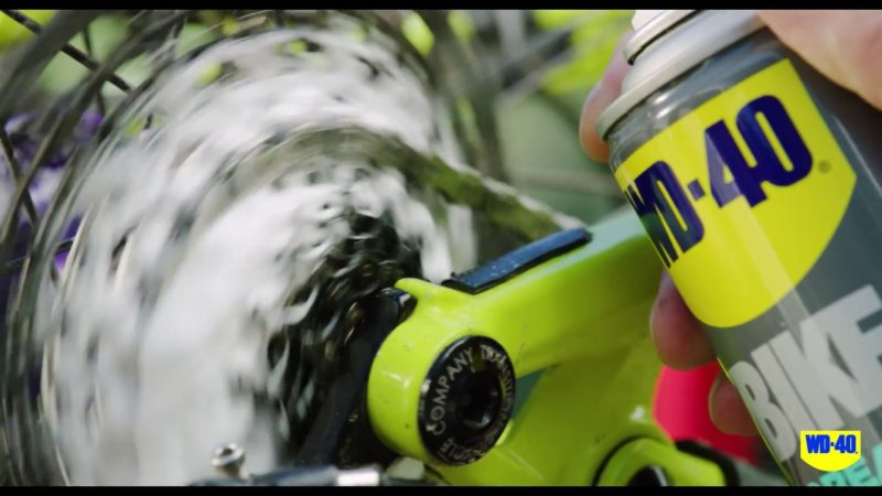 How to keep your bike's drivetrain clean with WD-40 BIKE® Degreaser
