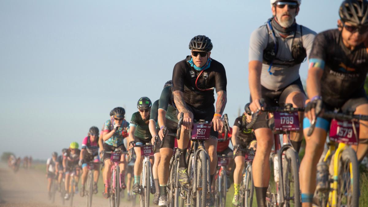 Dentro del cambio de nombre DK a Unbound Gravel;  finales de la Vuelta a España – VeloNews.com