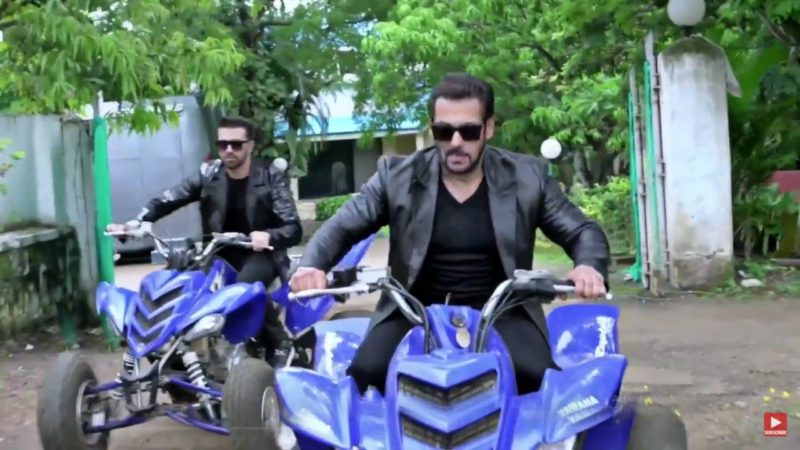 Salman Khan Grand Entry on Bike in a Performance at Panvel Farmhouse for Child Foundation