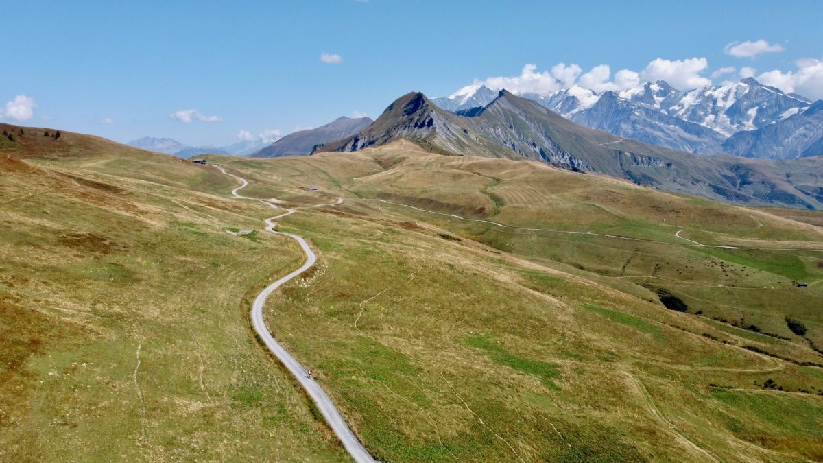 Col Hunting Above Megève