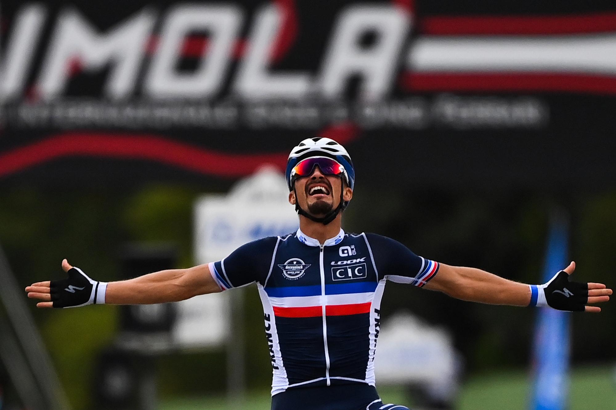 Julian Alaphilippe der neue Weltmeister nach dem sensationellen Straßenrennsieg bei Imola 2020