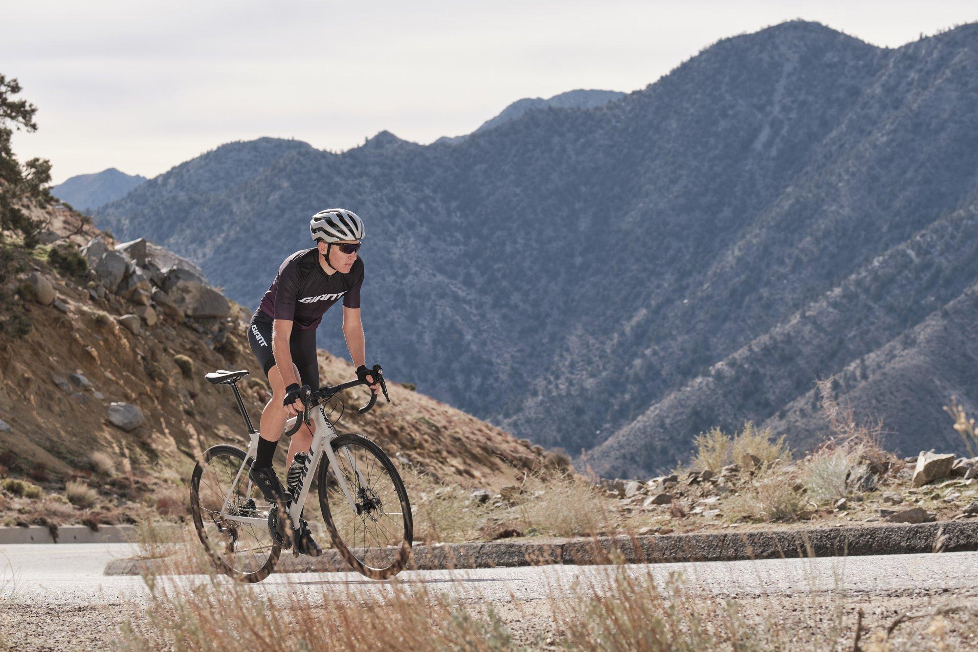Hamstringpijn bij fietsen – Kracht opbouwen in de achterkant van de benen –