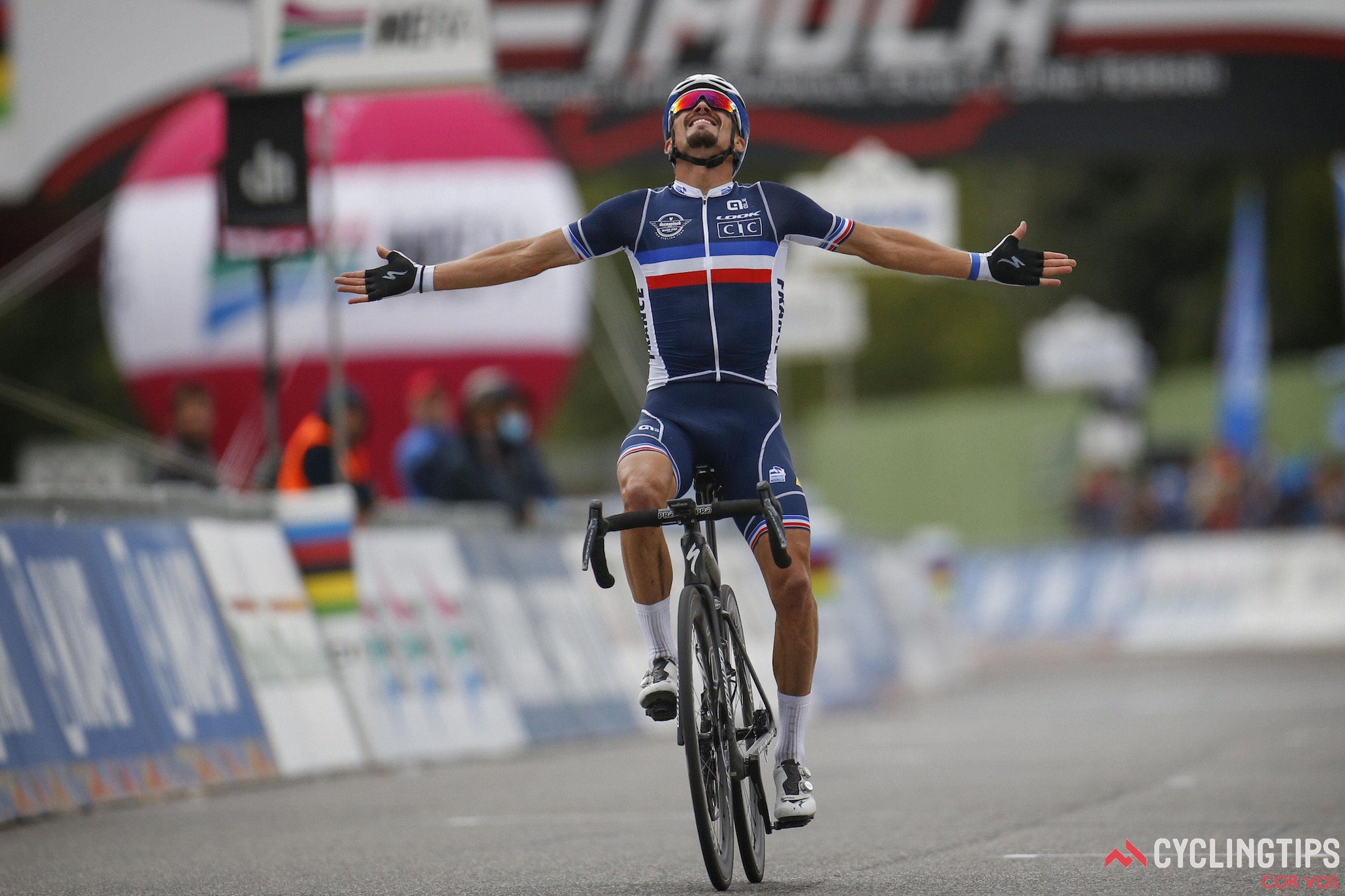 Julian Alaphilippe vinder elite mænds verdensmestertitel: Daily News Digest
