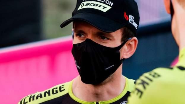 Giro d'Italia: Simon Yates er ude af race med Covid-19