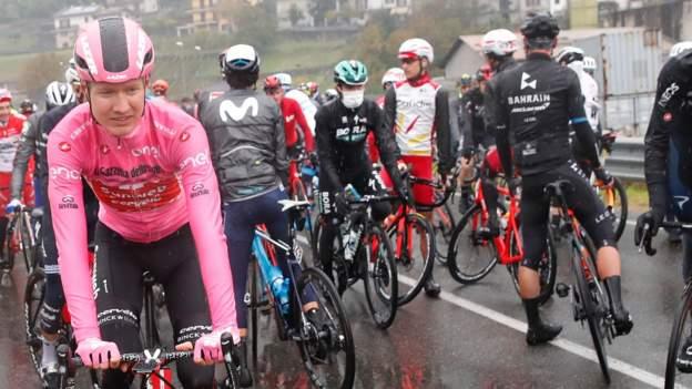 """Giro d'Italia-Rennleiter """"sehr verärgert"""" über den Sicherheitsprotest der Fahrer auf der 19. Etappe"""