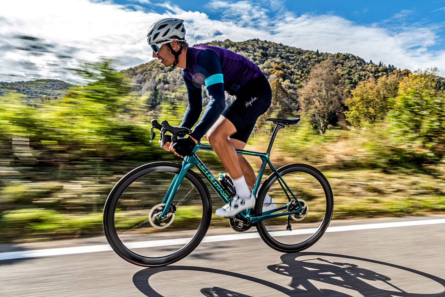 2021 Bianchi Specialissima CV goes lightweight in modern disc brake road race update