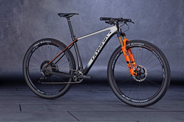 2021 Olympia F1 Carbon XC Hardtail umgeformt, um Gewicht zu verlieren, das Vertrauen zu integrieren und zu stärken