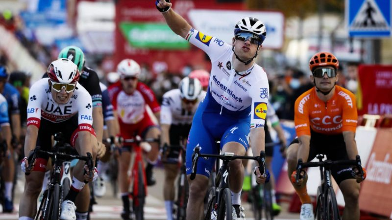 Sam Bennett wins stage 4 of the Vuelta a España: Daily News Digest