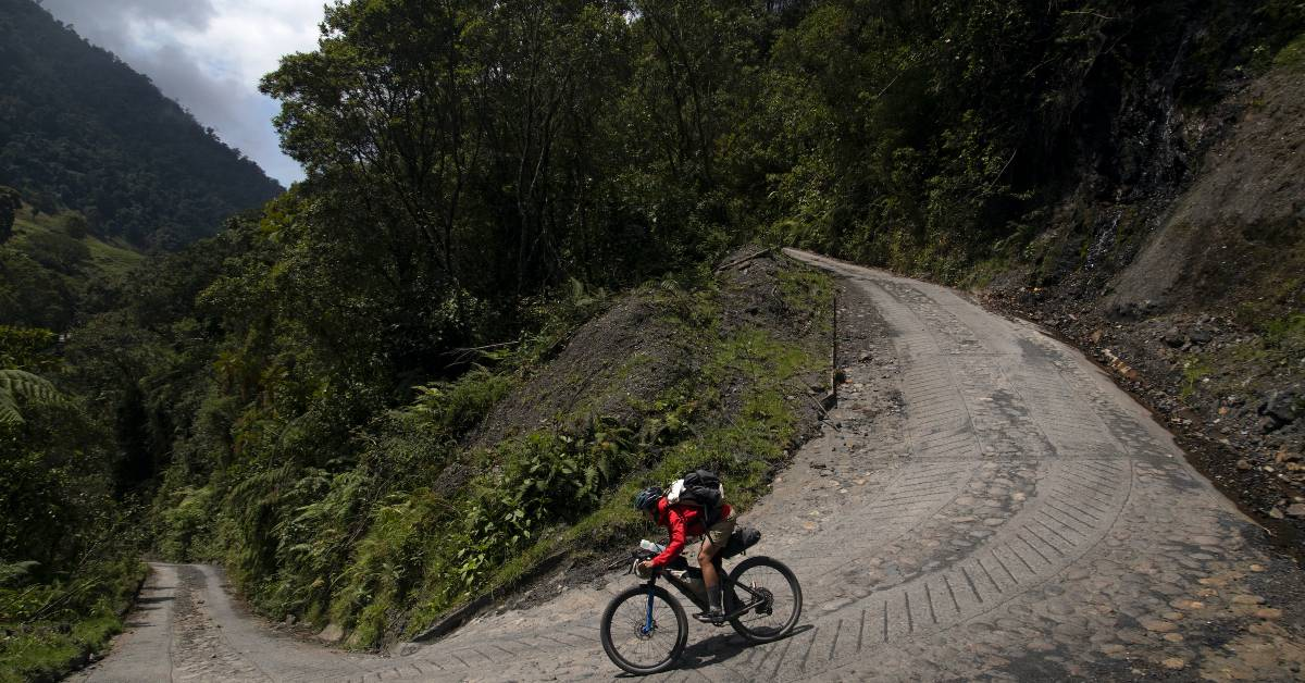 Watch Lael Wilcox Blaze Colombia's First Bikepacking Route: Ruta Chingaza