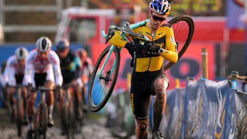 Wout van Aert dovrebbe tornare al ciclocross il mese prossimo