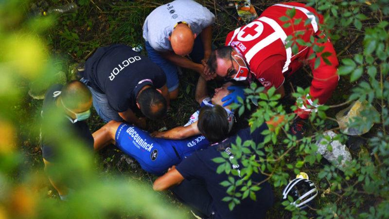 Die Untersuchung des Tascheninhalts von Remco Evenepoel wird ohne Verletzung abgeschlossen – VeloNews.com