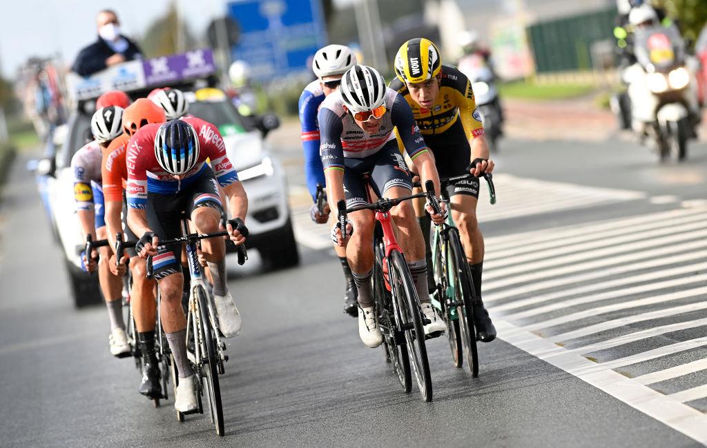 Mads Pedersen capitalizes on Wout van Aert and Mathieu van der Poel's rivalry at Gent-Wevelgem – VeloNews.com
