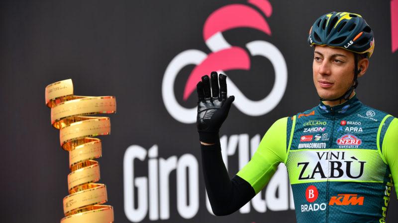El ciclista del Giro d'Italia suspendido tras dos infracciones antidopaje en las etapas 12 y 13