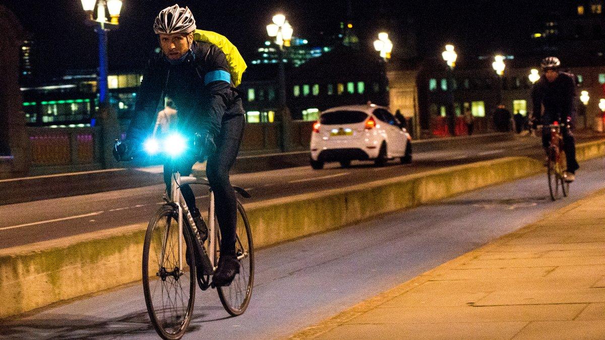 Lo que necesita saber sobre las luces de bicicleta
