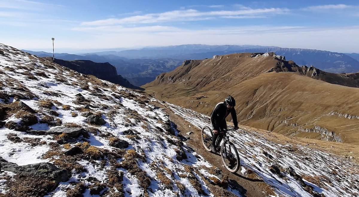 Bikerumor Pic Of The Day: Omu Peak, Roemenië