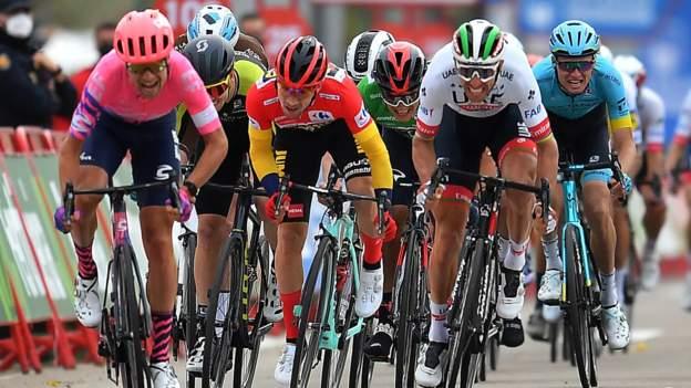 Vuelta a Espana: Primoz Roglic prolonge son avance alors que Magnus Cort Nielsen passe à l'étape 16