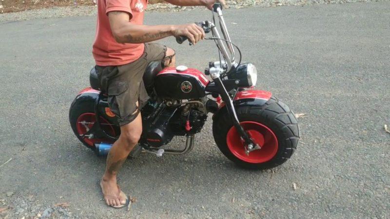 Test ride Honda c100  2 cylinder 200cc mini bike