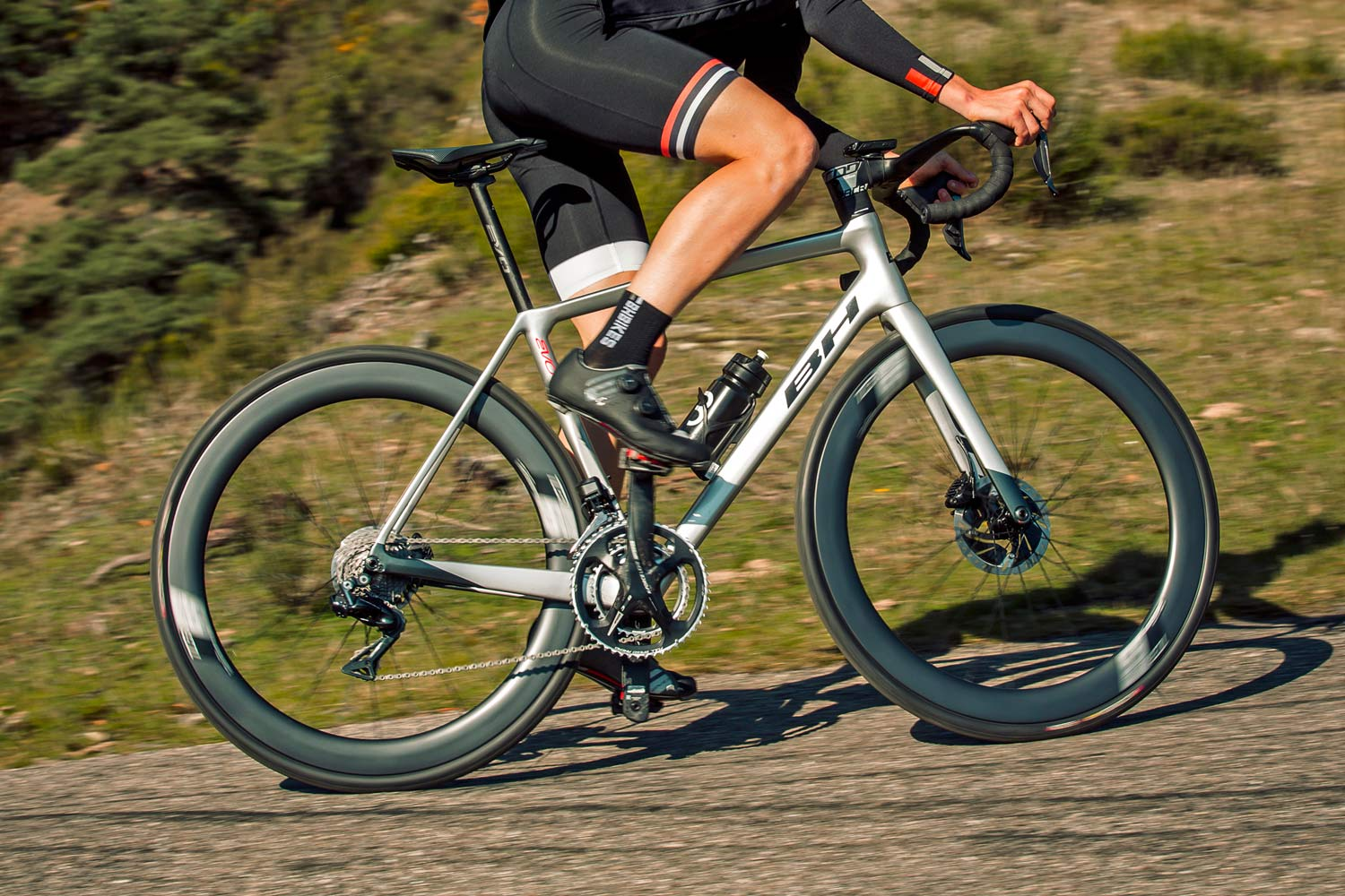BH Ultralight EVO disc road bike drops to just 750g, goes fully integrated from tip to tail