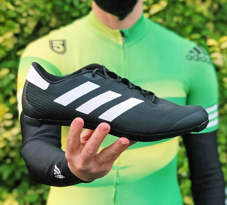 Les chaussures de cyclisme sur route par adidas mélangent un style ...