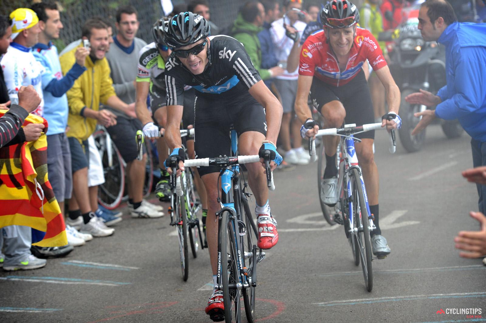 Ni år forsinket får Chris Froome sit Vuelta-trofæ