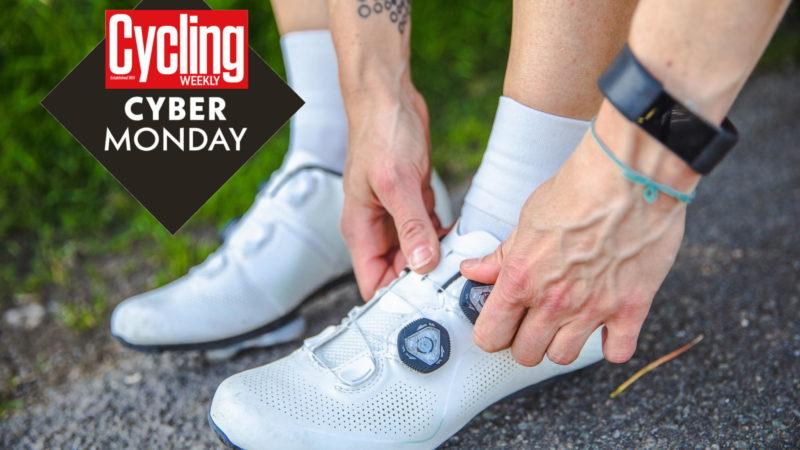 Cyber Monday cykelsko-tilbud: Få et godt tilbud på Specialized, Giro, Fizik og mere