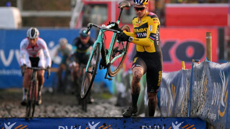 Wout van Aert starter krydssæson med tredjepladsen på X²O Trofee Kortrijk – VeloNews.com
