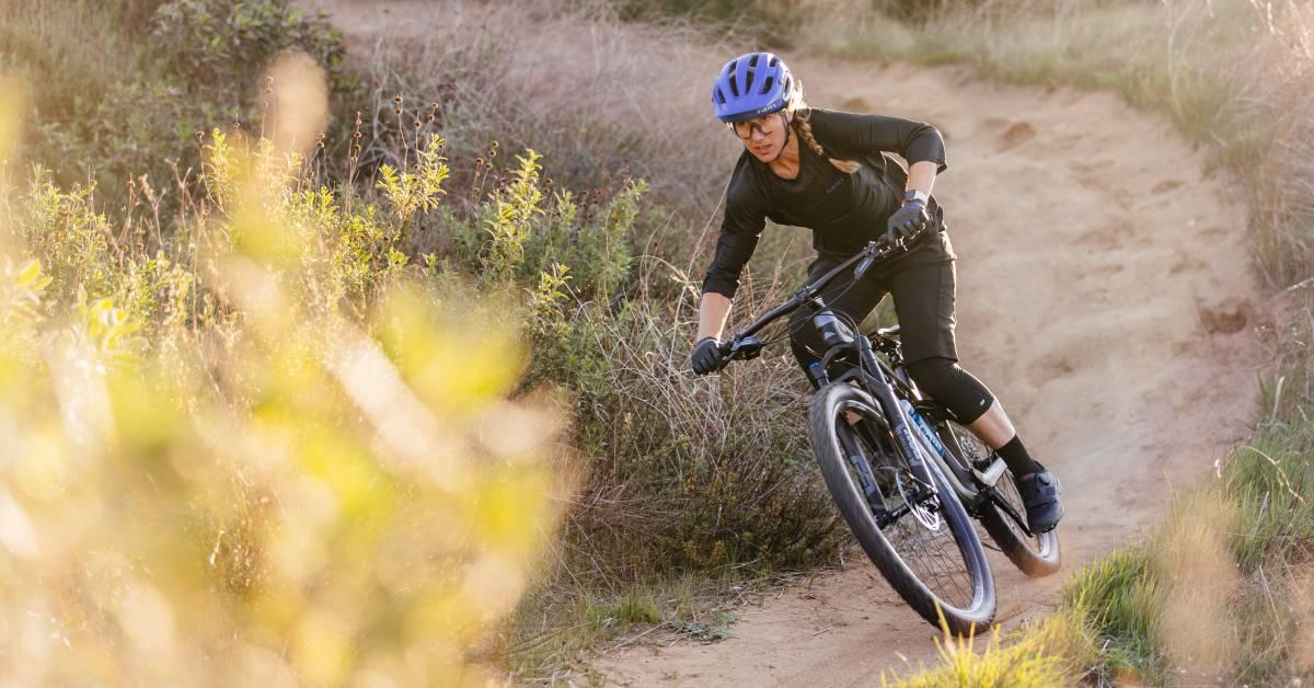 Free Gear Fridays: Giro Manifest Mountain Bike Helmet Giveaway