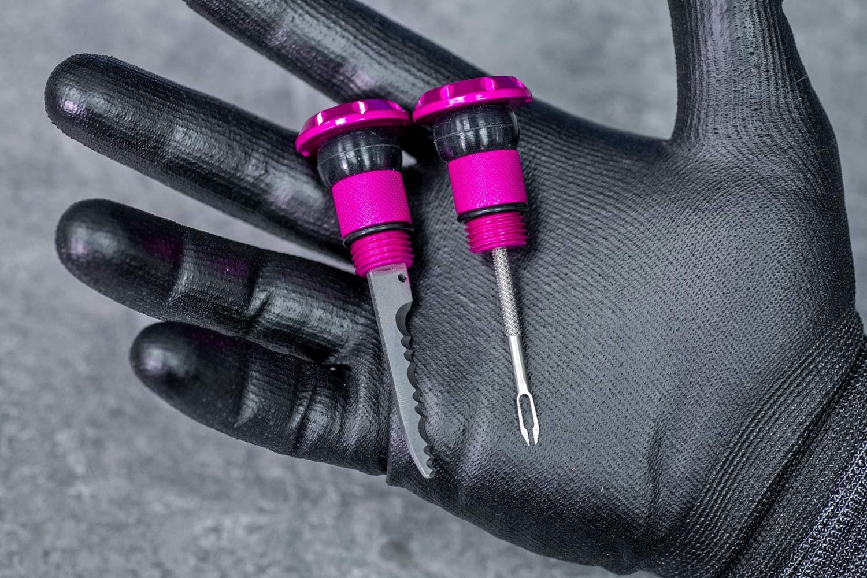Le bouchon de ponction Muc-Off Stealth Tubeless cache une autre réparation de pneu crevé à l'intérieur de n'importe quel guidon