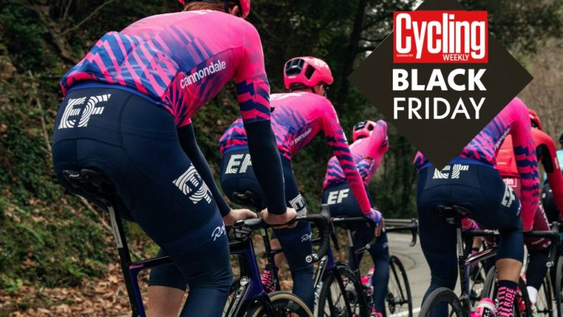 Grandi risparmi sul kit Rapha EF Education First team (ma non chiamatelo Black Friday)