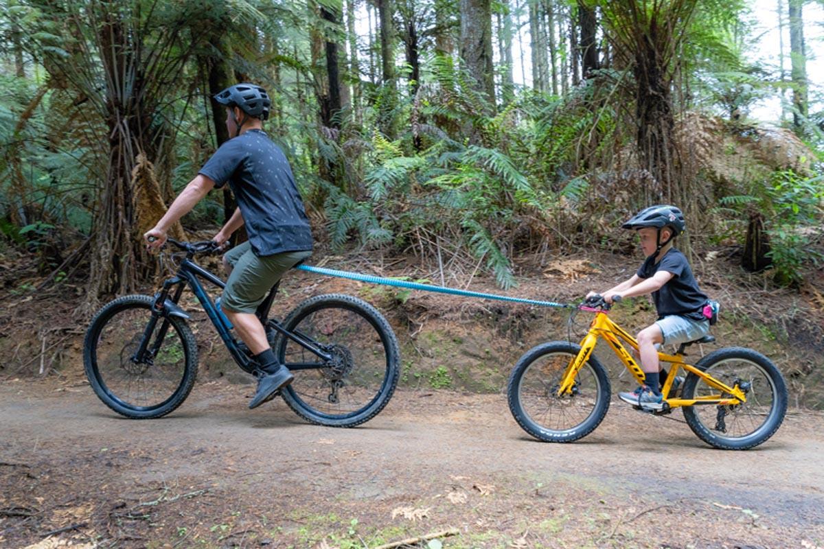 Shotgun Lance Mtb Tow Rope Pour Donner Un Coup De Pouce Aux Jeunes Cyclistes Sac A Dos Pour Enfants Pour Le Ranger Swiss Cycles