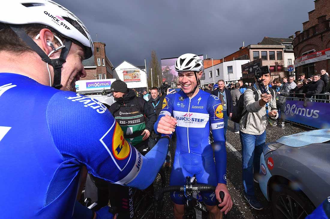 Den hollandske sprinter Fabio Jakobsen tilbage på cykel for første gang siden styrtet – VeloNews.com