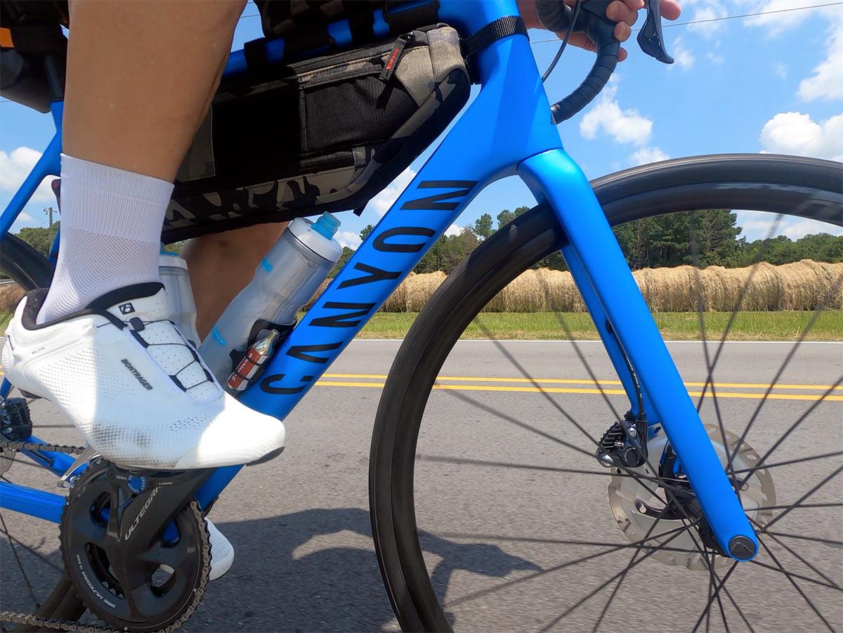Recensione: la bici da strada Canyon Endurace va a lungo sul comfort, mantiene la velocità