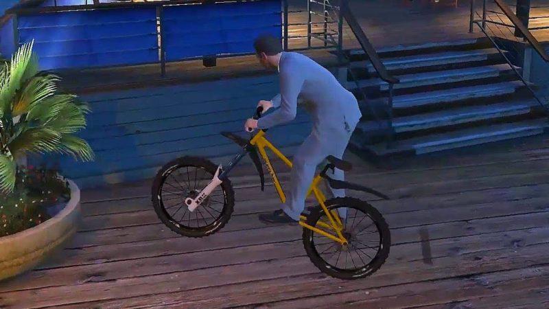 An Easy Bike Levitation Glitch (GTA 5)