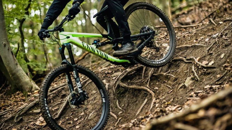2021 Canyon Spectral 29 CF reshaped as lighter, more capable, adjustable do-it-all carbon trail bike