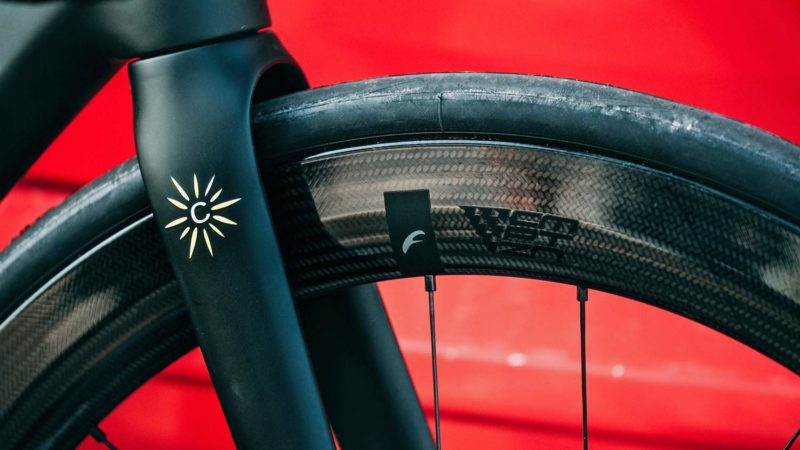Fulcrum Speed Cmptzn brings stealth race-ready speed to aero carbon road wheels