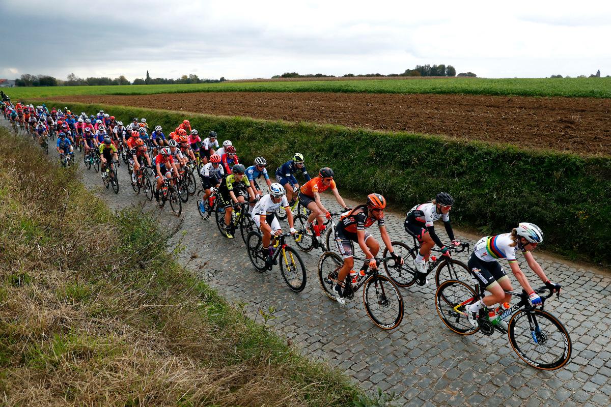 UCI bekræfter topholdslicenser for 2021 – VeloNews.com