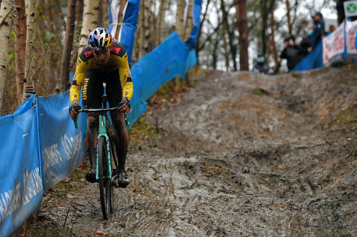 Wout van Aert, Ceylin del Carmen Alvarado vinder sejren i Herentals mudder – VeloNews.com