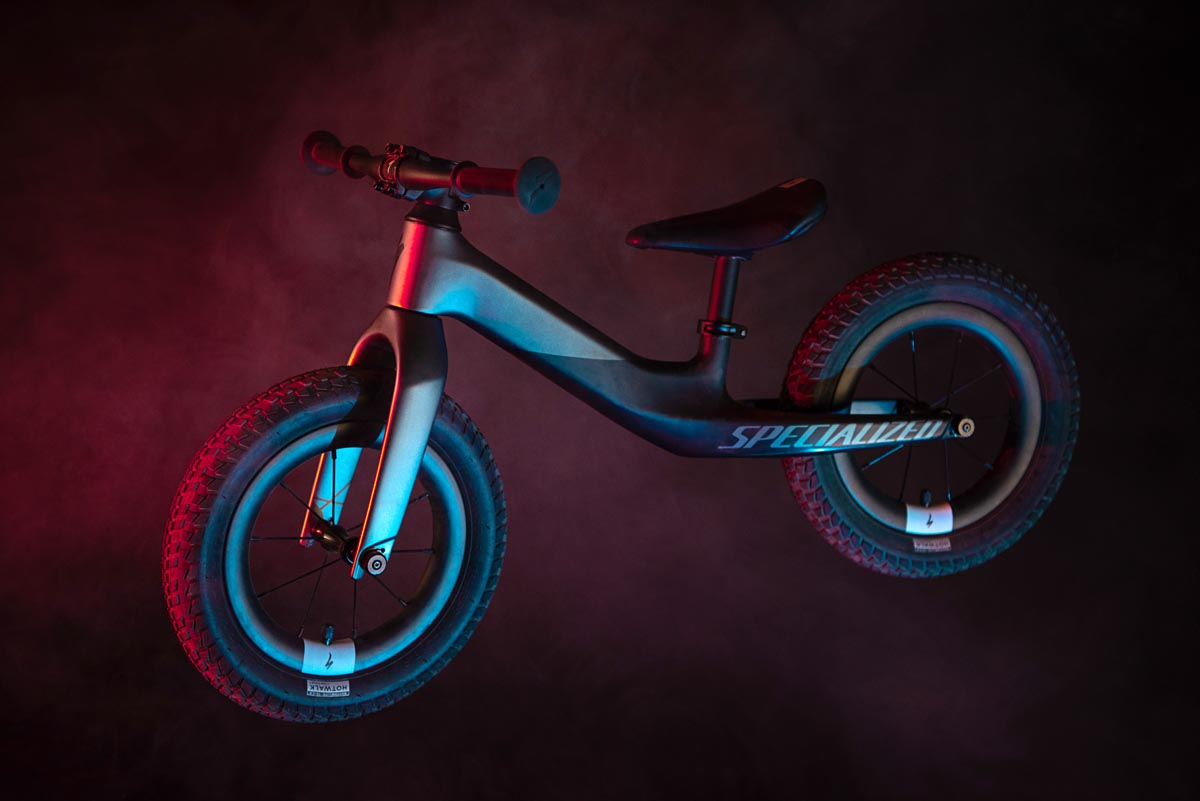 Specialist bygger deres letteste cykel endnu – 4.63 lb Hotwalk Carbon balance-cykel