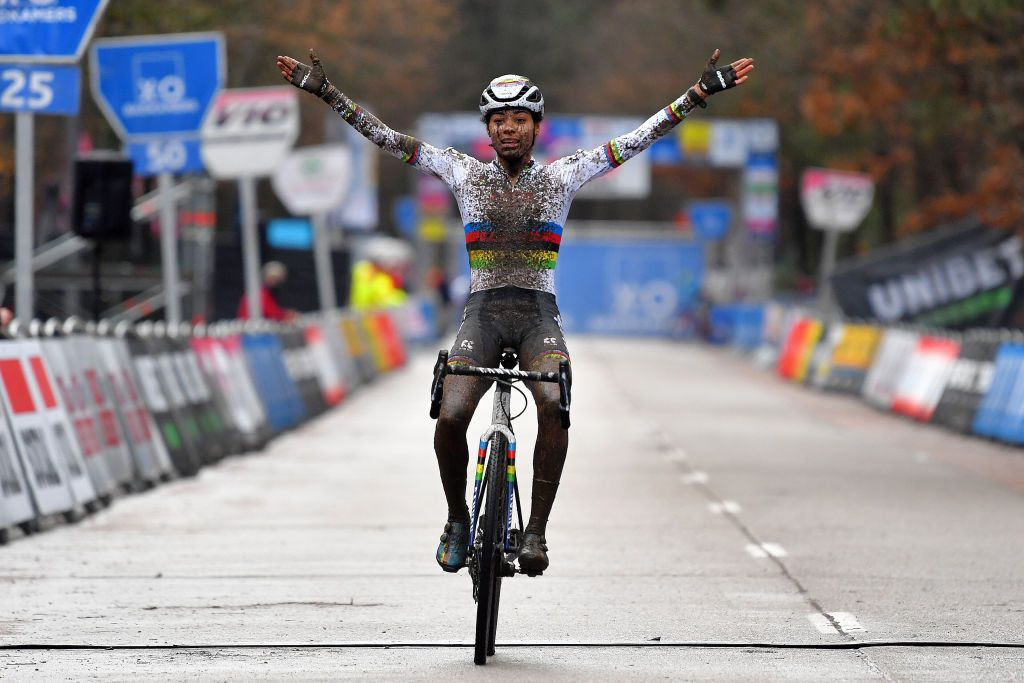 GP Sven Nys: Alvarado draws first blood in 2021