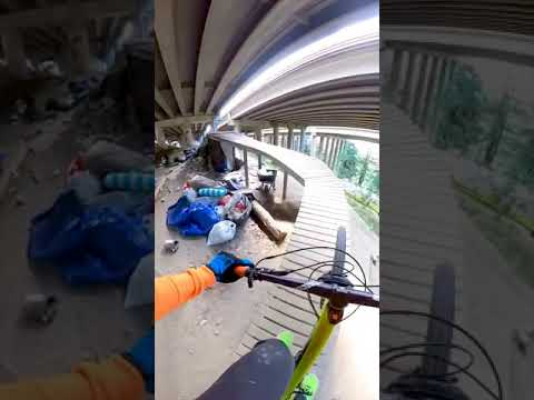 😲🔥 AWESOME Bike Park Under Highway! 🤯⚡