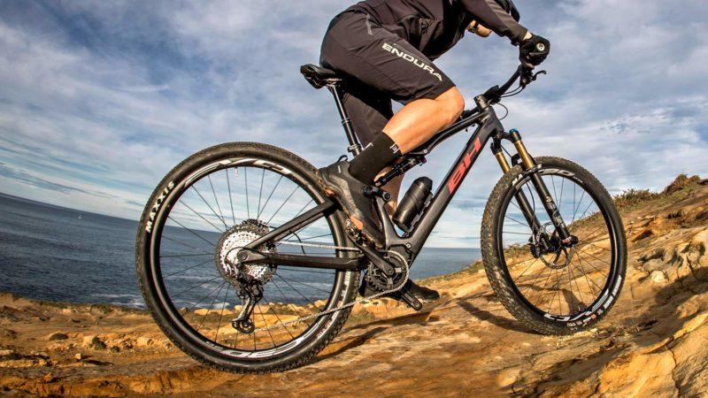 BH iLynx Race Carbon neatly tucks in BH's own light, powerful, long-range e-bike system