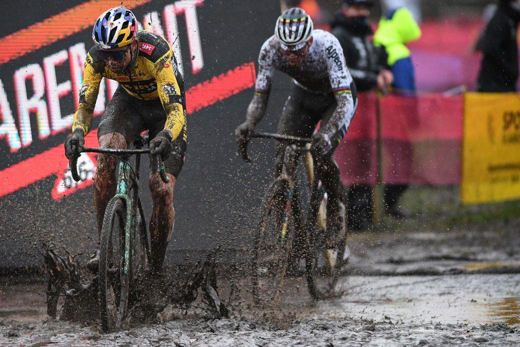 Tight margins expected as Van Aert and Van der Poel duel at Cyclo-cross Worlds