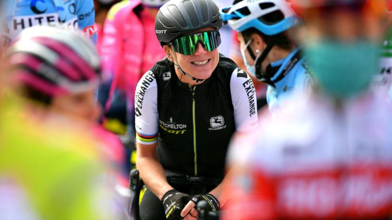 'Come il primo giorno di scuola': Annemiek van Vleuten incontra la sua nuova squadra e si unisce alla squadra maschile di Movistar in un allenamento a cronometro a squadre