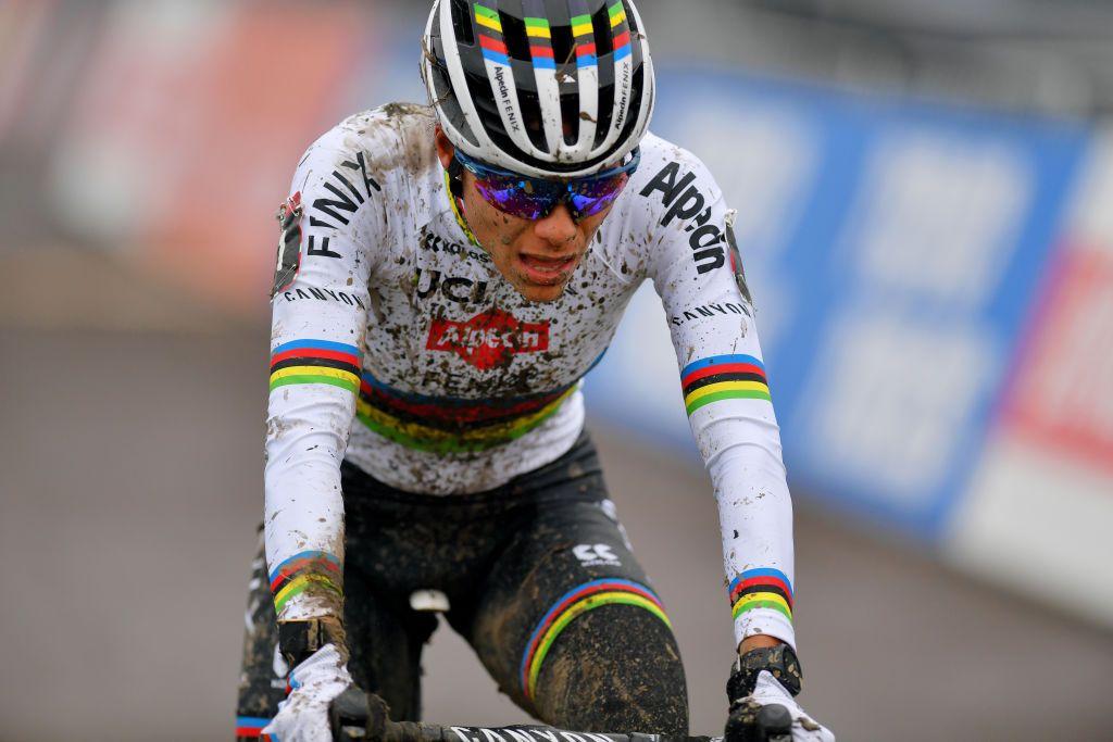 Alvarado wins elite women's Cyclo-cross World Cup in Overijse