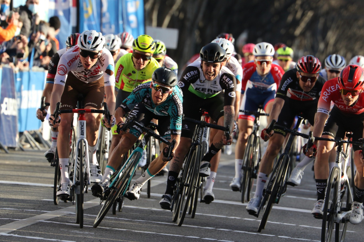 Aurélien Paret-Peintre vinder GP La Marseillaise i foto-finish for at åbne europæisk kalender – VeloNews.com