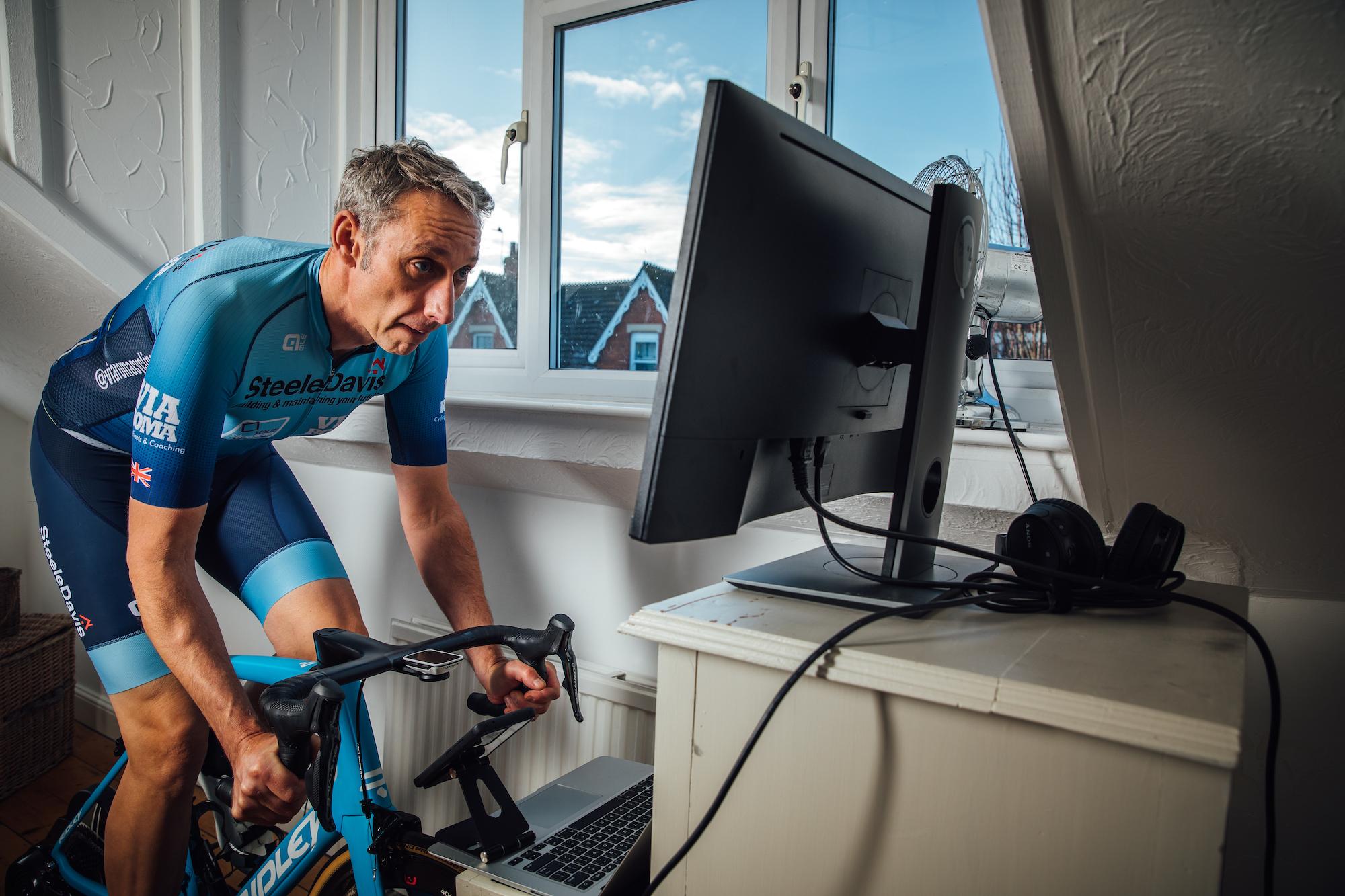 Cycling Weekly startet die Winter Lockdown RR-Serie auf Zwift