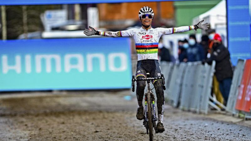 Alvarado e Van Aert vincono all'Overijse World Cup: Daily News Digest