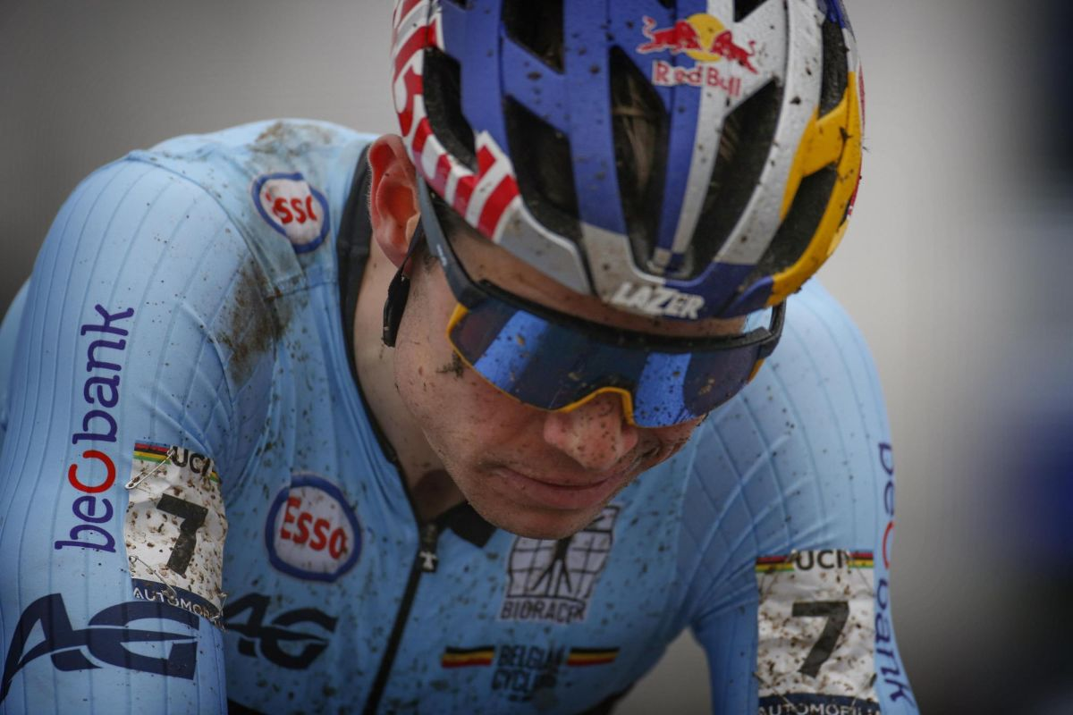 Wout van Aert disappointed to have 'lost heart' at Cyclo-cross Worlds