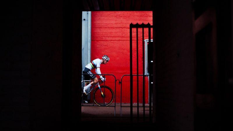 UCI bekræfter, at CX Worlds vil fortsætte som planlagt: Daily News Digest
