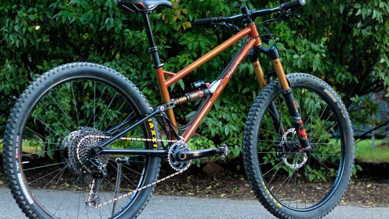 Myth Cycles envoie un vélo de trail 29 pouces Zodiac à pivot unique de 140 mm tout droit sorti du Colorado